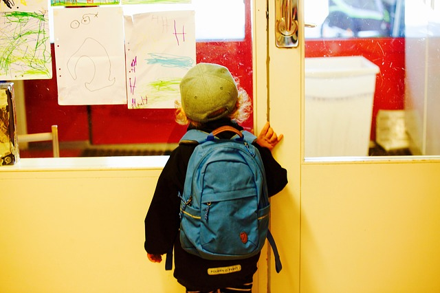 kid entering in a nursery school